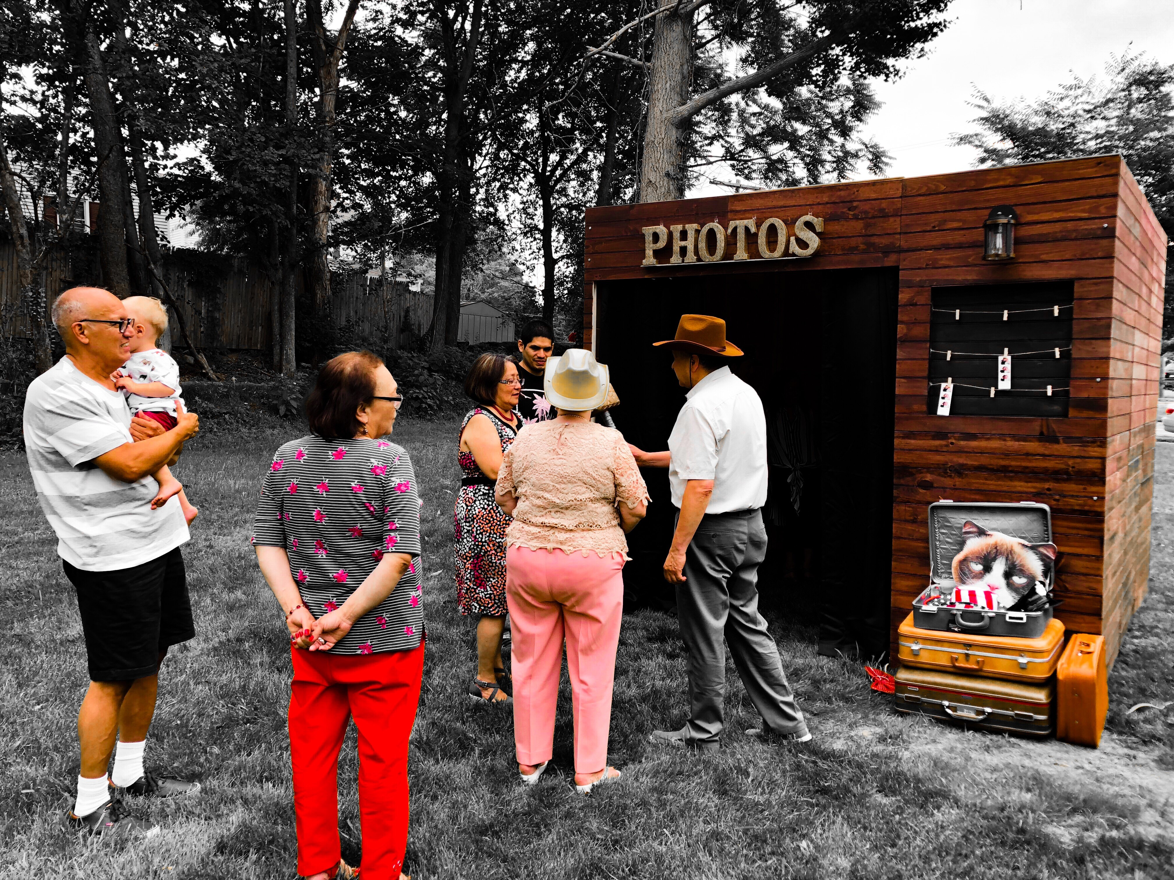 rustic photo booth lodge